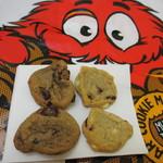 クッキータイム - チョコチャンククッキーと、ホワイトチョコ&クランベリークッキー