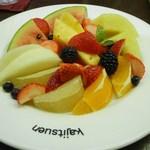 果実園 - フルーツサラダ(横)