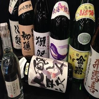 日本酒・焼酎共に充実の品揃えでお待ちしております!