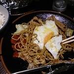 秋田きりたんぽ屋 - 神谷のやきそば(食べかけ)