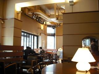 サンマルクカフェ 大阪北浜店 - 高い天井
