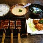 三河 - 麦とろ定食 豆腐でんがく 鳥の唐揚げ