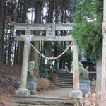 23560854 - すぐ隣に神社もあります。