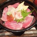 23561943 - 北海ぶり丼1,200円