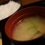 ふうり - 味噌汁、メシ、漬物