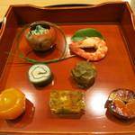 日本料理 太月 - 前菜盛り合わせ 塗盆