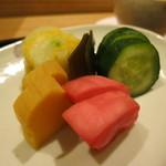日本料理 太月 - お新香 胡瓜、蕪、沢庵、白菜、昆布