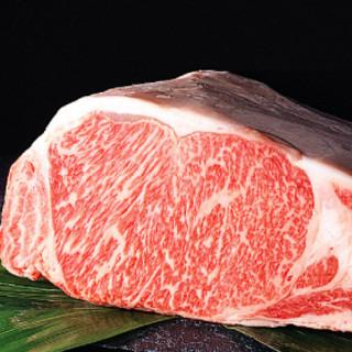 最高級A5ランクの山形牛・米沢牛を一頭買いしドライエイジして提供