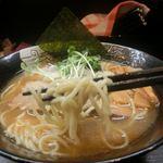 麺アップ(ピンボケごめん)