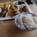健康美食 豆の花 - 五穀米もあります