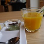 健康美食 豆の花 - デザートとマンゴードリンク