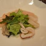 ステーキ&シーフード ボストン - 広島牡蠣を添えた 海の幸のサラダ仕立て
