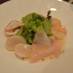 ステーキ&シーフード ボストン - 海の幸のサラダ仕立て   逆側から