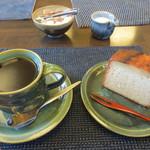 茶房蔵や - カステラセット 680円