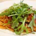 セントベーネ - ナスの辛いトマトソーススパゲッティ