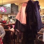 パリのワイン食堂 - 店内