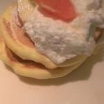 レインボーパンケーキ -