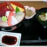 どんぶり亭 松本 - H25.11 海鮮丼 780円