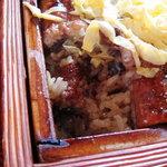 Hinodeya - せいろ蒸し。甘いタレが特徴。
