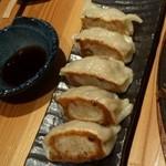 餃子日和わらん - 料理写真: