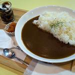 麦の木Cafe - 料理写真:「カレーライス」(600円)。+100円でドリンク付にも出来ます。