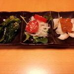 23598057 - おつまみ(3色):辛子菜のお浸し、玉ねぎ+プチトマト、ユリ根?の味噌和え