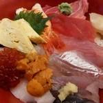 23598305 - 海鮮チラシ(1800円)