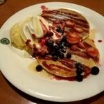 23600615 - メープルベリーパンケーキ!(^O^)