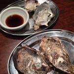 23601200 - 生牡蠣と焼き牡蠣