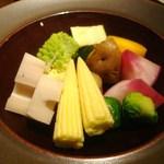 ラムカーナ - チーズフォンデュの野菜各種