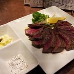 23606286 - ビステッカ(牛もも肉のステーキ)900円