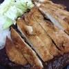 豚のさんぽ - 料理写真:カツカレー。ウソだろうが!と言いたくなる大盛りでした。。