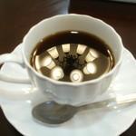 Cafe f - ドリンク写真:コーヒー250円(セットなら200円)
