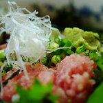 有魚亭 - 二色丼のアップ