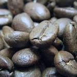バイゲツカフェ - マスターが焼いた珈琲豆。ブレンドも店頭で購入できます。