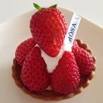 イルローザ - 料理写真:苺のタルト