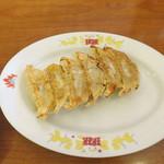 23619082 - 餃子 通常350円 サービスデーの日は150円