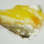 Comme Toujours - ココナッツのブランマンジェとマンゴー(スプーンですくったところ、2013年12月)