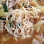 華福 - みそカレーラーメン麺拡大