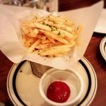 ABC 肉とワインのおいしい店 - フライドポテトのガーリックローズマリー風味