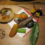23626768 - 大王結び 黒豆・車海老・黄金焼、手綱寿司、干柿なます、からすみ、穴子昆布巻、千社唐粕漬、はや甘露煮