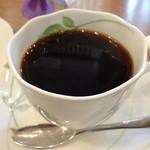 cafe LEON - 豆を挽いてから淹れて下さいます。苦みのあるタイプ☆
