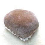 万平菓子舗 - ふわっとした大福の食感と、たっぷりと入った柔らかなコーヒークリームの相性が絶妙です♬