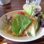 シギグラカフェ - ランチのサラダ