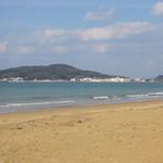 海の彩 - そして右手には「こいのうら」の素敵な景色を眺めながらランチを楽しめます。