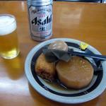 23637932 - おでん(420円)と缶ビール(320円)