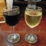 アジト - 赤白ワイン(何杯飲んだか?)