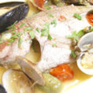 当店一番人気のお魚料理はアクアパッツァ!ご来店の際には是非ご賞味ください♪