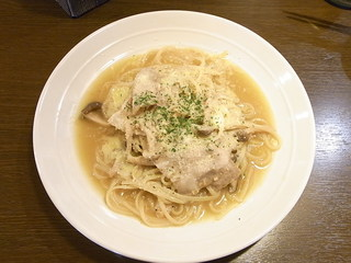 cafe&diner PLUTO - 豚バラ肉とキノコの和風パスタ 単品¥900 セット¥1000♪
