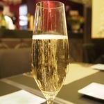 ビストロ アカサカ - スパークリングワイン